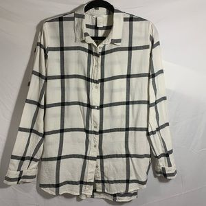 H&M white and gray plaid top